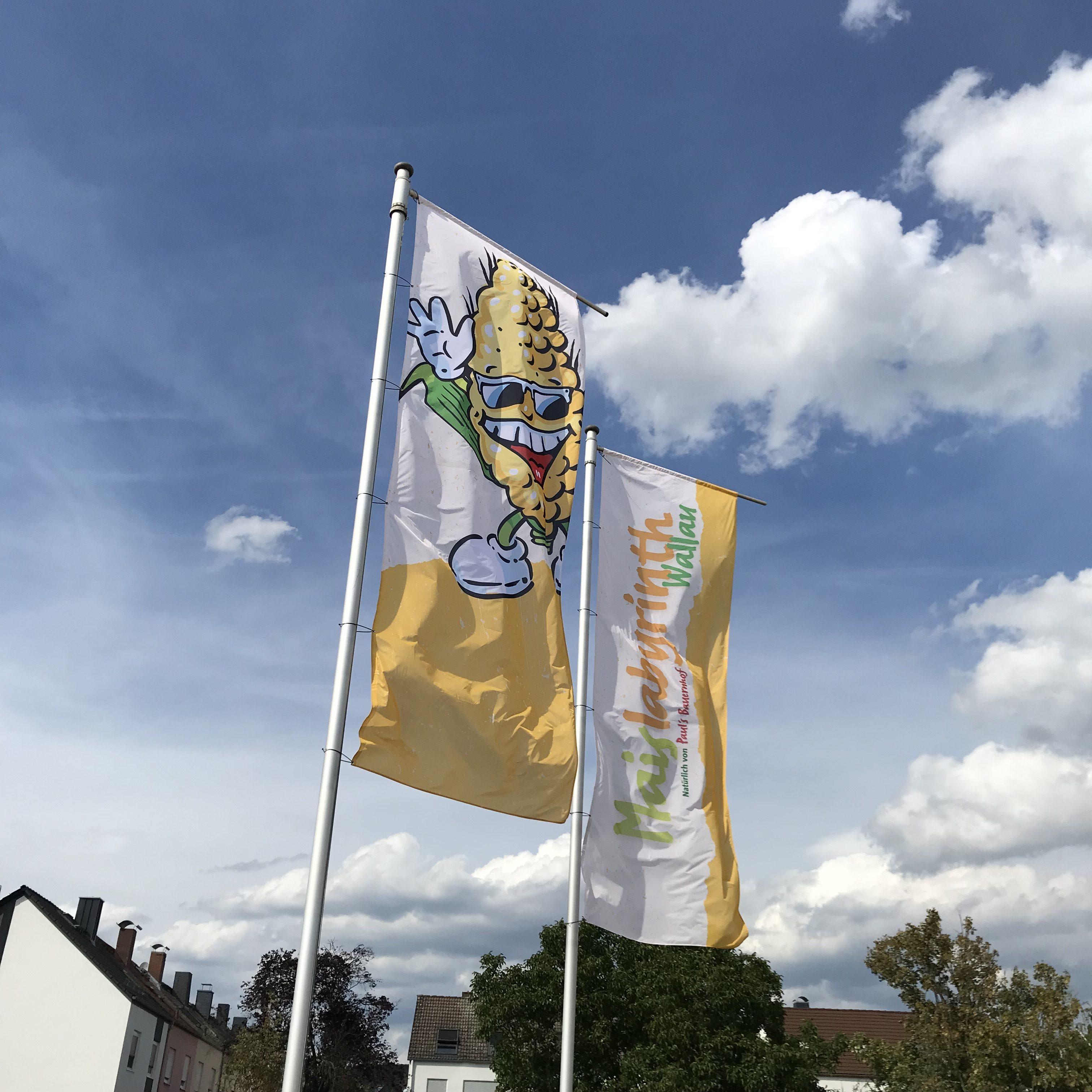 Die Flaggen sind gehisst